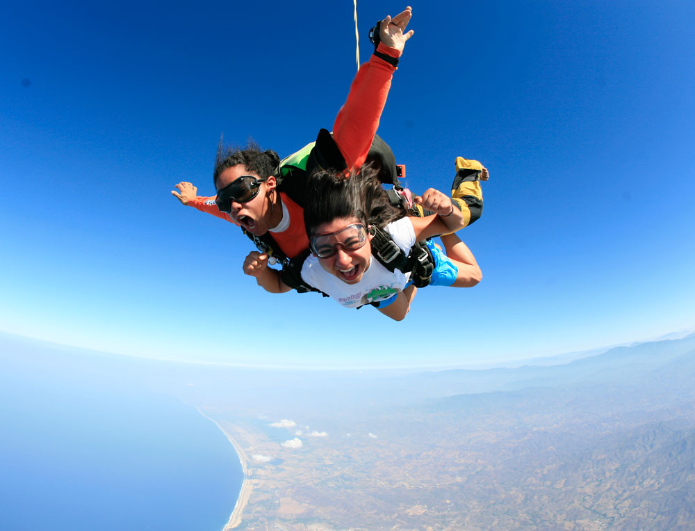 skydiving in puerto escondido